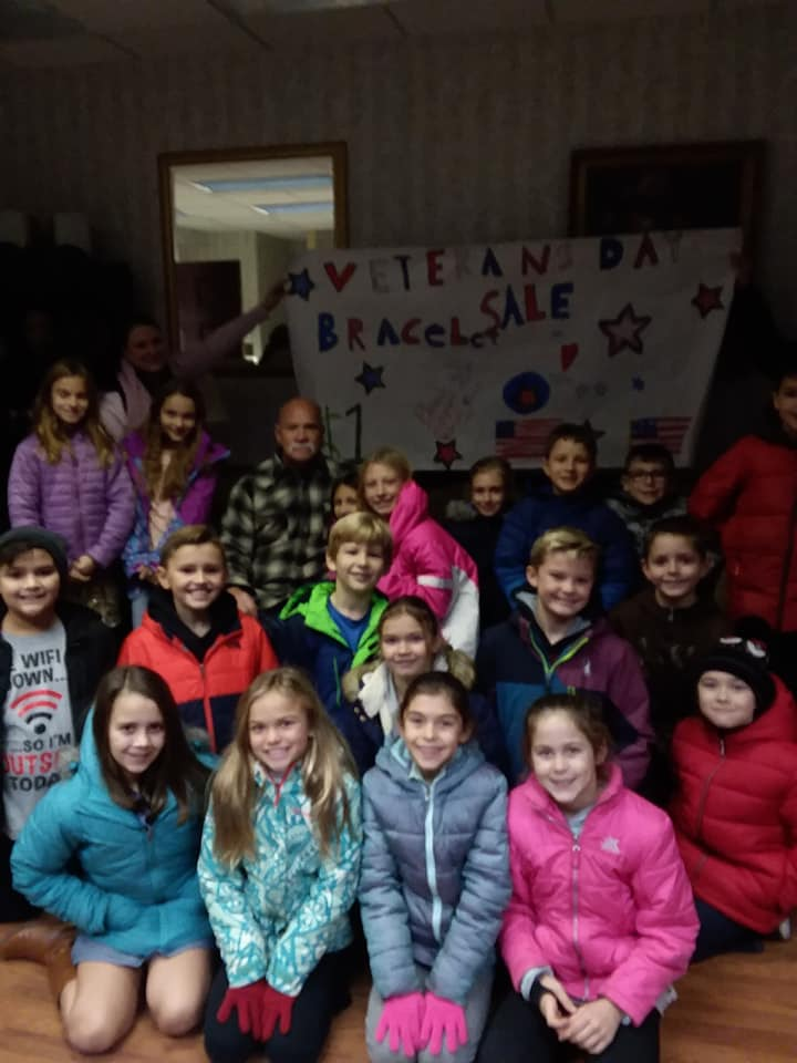 1st Grade Class of Fairview Elementary Helps VMCE